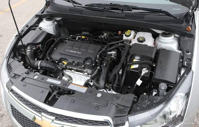 Как собственноручно заменить моторную смазку в Chevrolet?