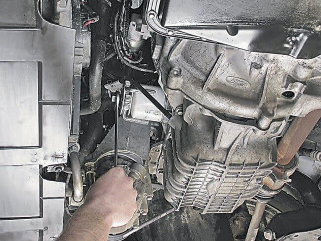 Смена масляной жидкости в «Форд Фокус»